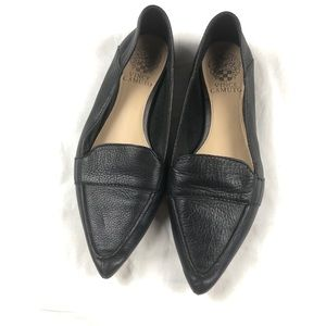 Vince camuto black leather point toe loafer 7.5